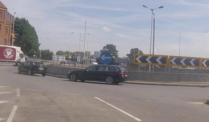 roundabout, roundabout UK